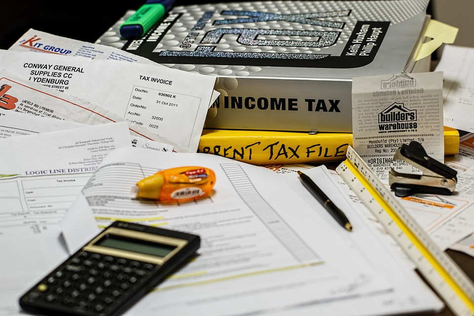 2 Triggers to Stay Clear of That Could Prompt a CRA Tax Audit